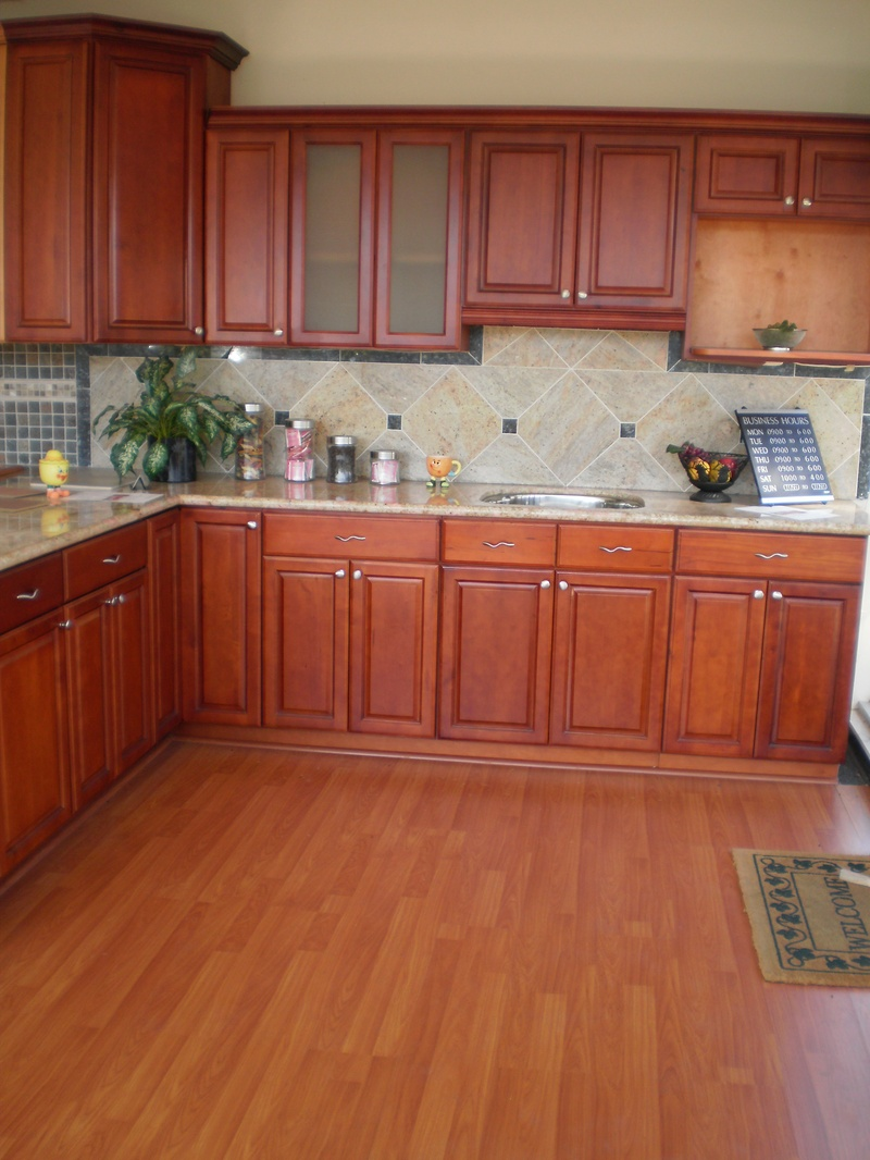 Dark cherry maple cabinets myt kitchen cabinet design for Cherry vs maple kitchen cabinets